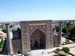 Blick aus einem Minarett auf den Regestan in Samarkand