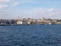 Blick auf den Stadtteil Emmininö und die  Blaue Moschee.